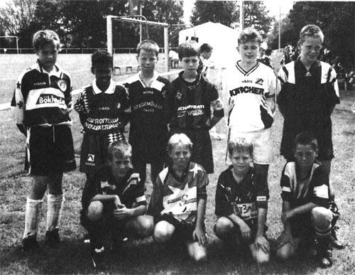 Die Mannschaftsführer der teilnehmenden Mannschaften